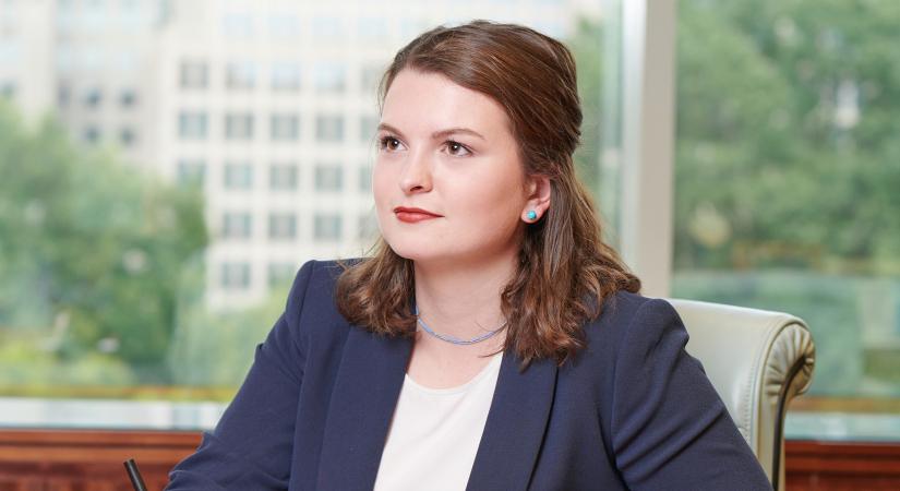 Annika L. Tomson
